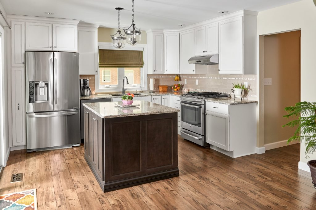 How To Choose The Perfect Finish For Your St Louis Home Kitchen Cabinets