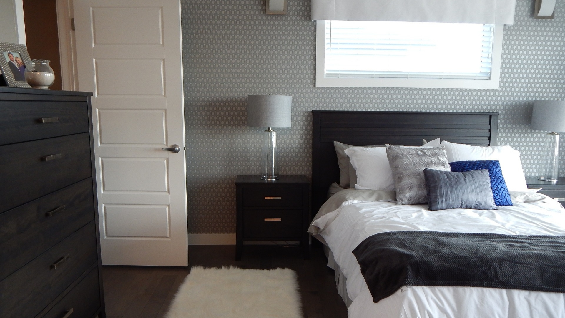ways to add glamour to your bedroom
