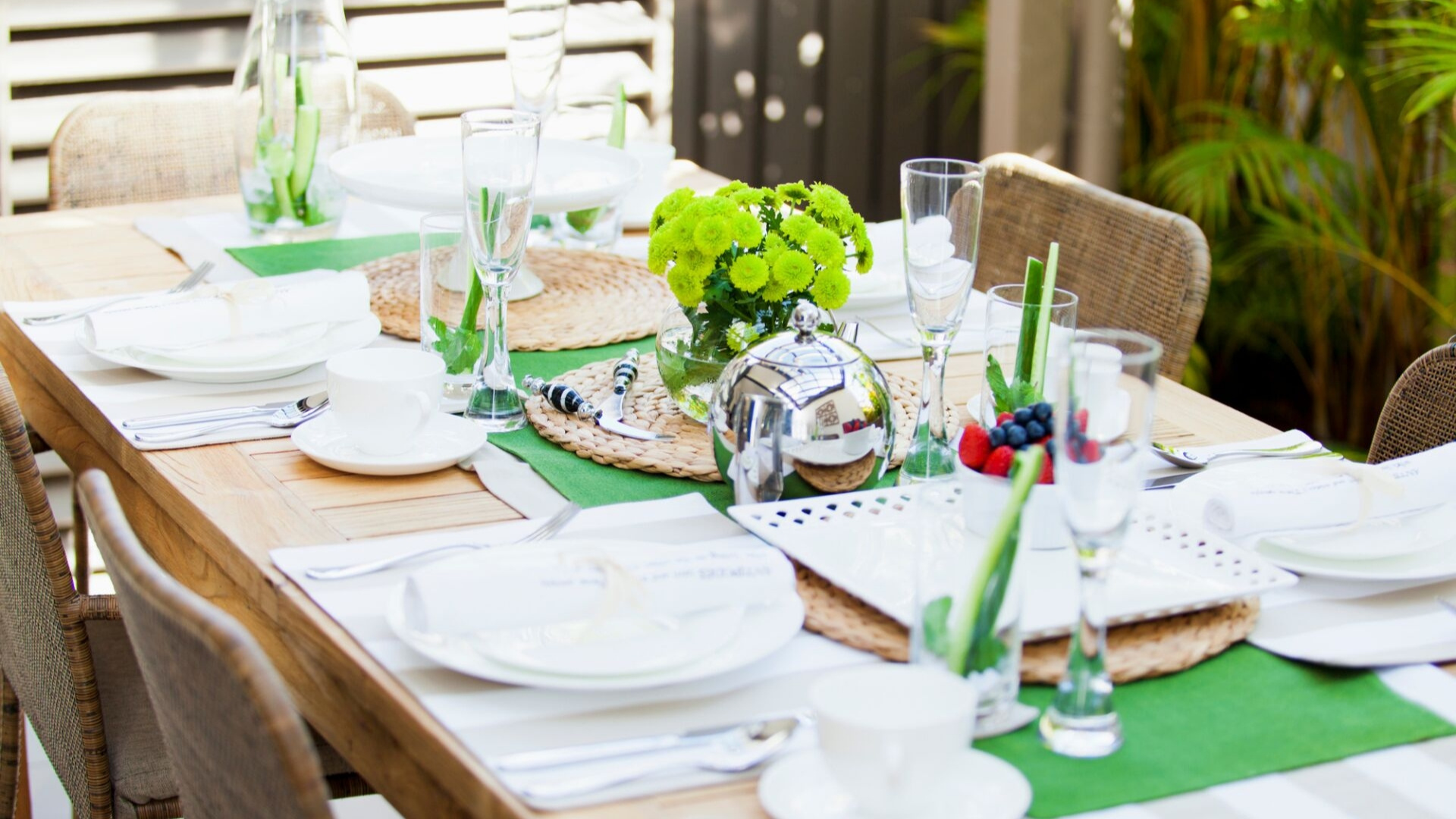 ways to decorate for a dinner party