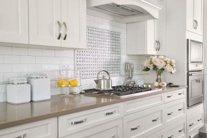 what countertop color looks best with white cabinet
