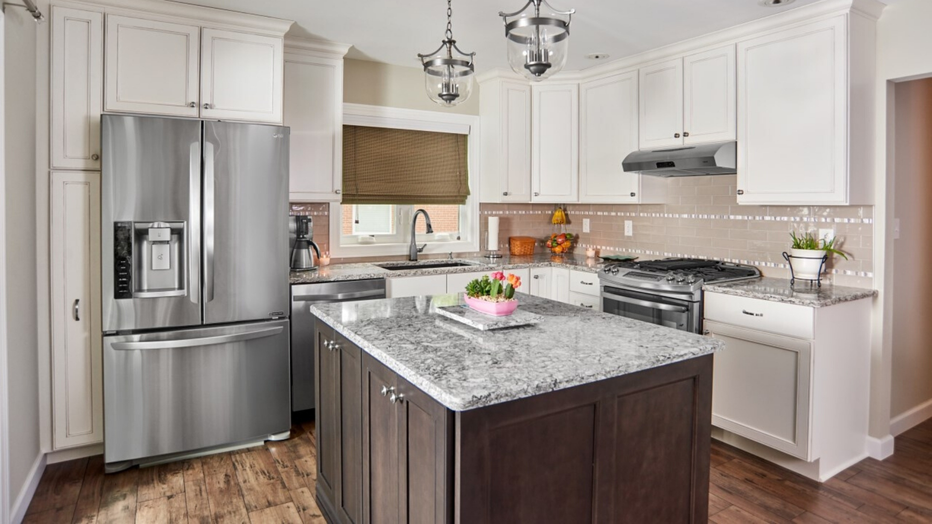 What S The Best Kitchen Countertop For Your St Louis Home Carrara Quartz Or Granite