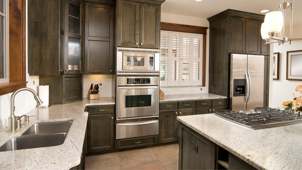 how to pair countertop colors with dark cabinet