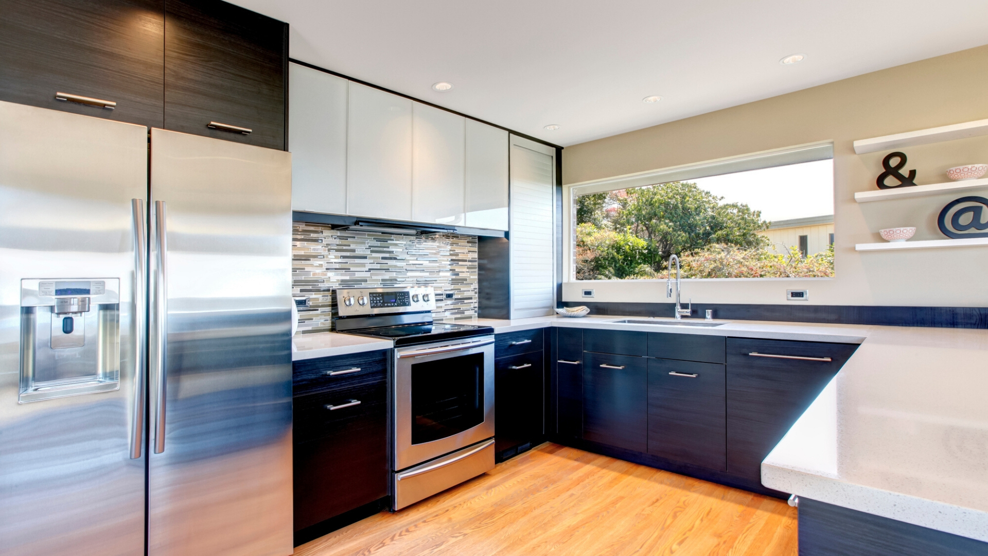 would a small kitchen look good with black cabinets
